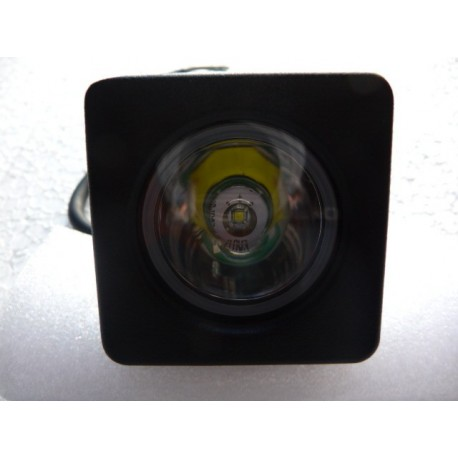 Feu 1 LED 10 Watts faisceau droit